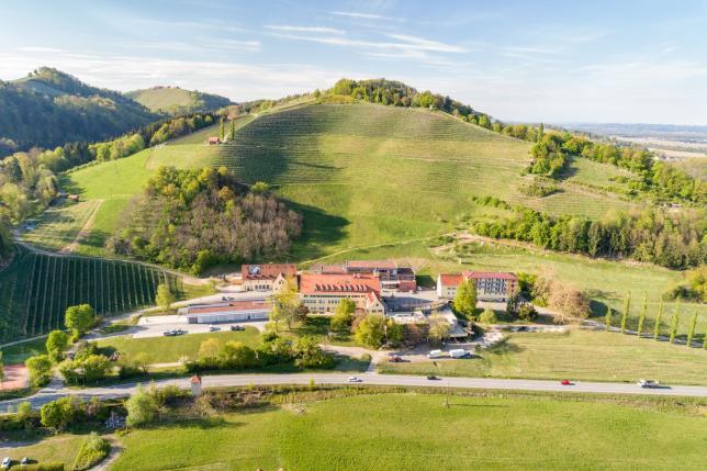 Silberberg - Bildungszentrum für Obst- und Weinbau; Foto: Mario Gimpl